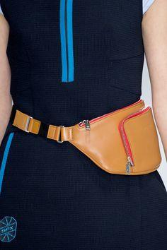 100 главных сумок Недели моды в Милане   Мода   Выбор VOGUE   VOGUE