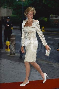 Diana, Princess of Wales Very of her outfits I dislike... this is one of them.