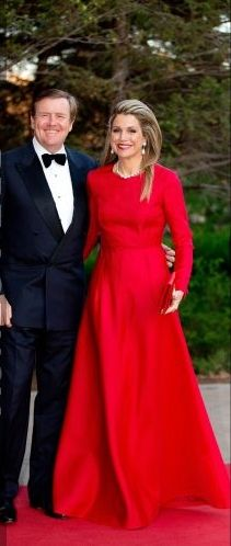 28-05-2015  Queen Maxima and King Willem-Alexander pose for the media before visiting a concert of the Holland Baroque at the museum of history on the 2nd day of the 3 day statevisit to Canada.