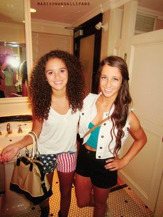 Madison Pettis, i remember when she was little! <3