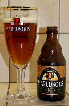 Maredsous 10 Donkerblond bier van 10 % alcoholgehalte Abdijbier met nagisting op fles Brouwerij Duvel Moortgat