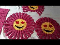 Bathroom Crafts, Mouse Parties, Emoticon, Mickey Mouse, Crochet Earrings, Diy, Youtube, Make It Yourself, Blog