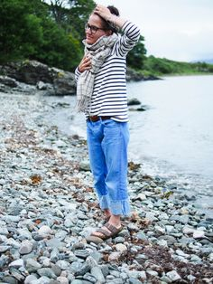 Breton stripes on the beach Quirky Fashion, 60 Fashion, Student Fashion, Tomboy Fashion, Breton Stripes Outfit, Mode Style, Style Me, Shabby Look, Casual Fall Outfits