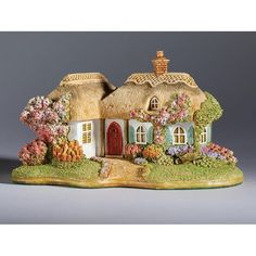 Lilliput Lane - Pretty in Pink - Scremby | New Products | Lilliput Lane (Crusader Gifts)
