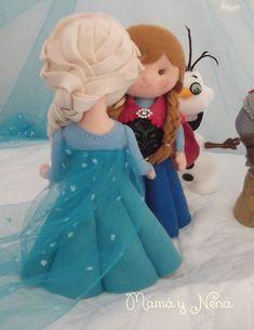 Detalhes: <br>Bonecos ficam em pé sozinhos, <br>Costura de qualidade <br>Vestido da Anna bordado à mão <br>Nariz das princesas arrebitadinho, <br>Bracinhos delineados, <br>Vestido de Elsa com detalhes em strass <br> <br>O preço refere-se à unidade, mas podemos fazer também o Kiit com os seis personagens: <br>Anna, Elsa, Kristoff, Hans, Sven e Olaf <br> <br>Ffrete gratuito para todo o Brasil, por PAC <br>Código do produto: 616375 <br>Adicionado em: 12/12/2015