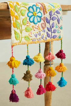Tassel Stitch Table Runner handmade by Peruvian Artisans, design by Jenny Krauss. Hardanger Embroidery, Embroidery Stitches, Embroidery Patterns, Hand Embroidery, Arts And Crafts, Diy Crafts, Passementerie, Brazilian Embroidery, Crazy Quilting