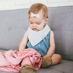 - Gender Neutral Grey Basics Designs - Package includes four solid grey bibs perfect for any outfit and occasion. - Absorbent cotton drool bib - These stylish drool bibs are made of 100% absorbent cot
