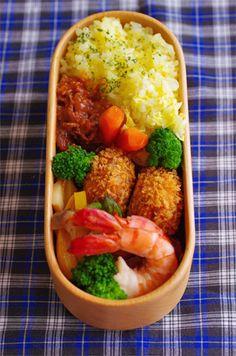 ハッシュドビーフ弁当 Asian Recipes, Real Food Recipes, Yummy Food, Cooking Recipes, Bento Recipes, Bento Box Lunch, Lunch Boxe, Aesthetic Food, Perfect Food