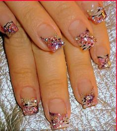 rhinestones and pattern combo so cute