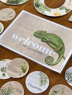 Classroom Door Displays, Classroom Banner, Classroom Labels, Classroom Decor Themes, Staff Room, Display Lettering, Unique Doors, Tropical Vibes, Bulletin Board