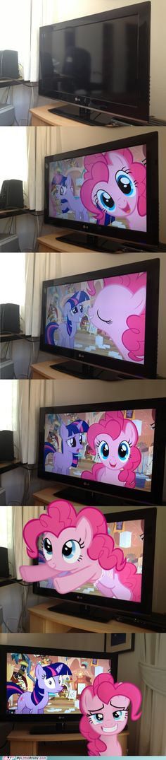 Pinkie Teaches Twilight About the 4th Wall
