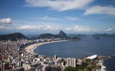 La plage de Copacabana aujourd'hui (Rio de Janeiro #Brésil) http://g1.globo.com/rio-de-janeiro/rio-450-anos/fotos/2015/02/fotos-veja-imagens-do-antes-e-depois-de-paisagens-do-rio.html
