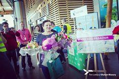 Władze naszego Portu oraz linia Wizzair ufundowaly naszej pasazerce voucher na przelot linią Wizzair oraz voucher na weekendowy pobyt w hotelu Leśna w Szczytnie  #mazuryairport #mazury #lotniskomazury #Oslo #voucher #pasażerka #loty #lotnisko #Wizzair #portlotniczyolsztynszczytno #oslo