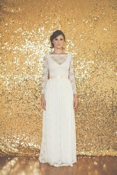 Sequined backdrop || Cloud Parade http://pinterest.com/nfordzho/dream-wedding/