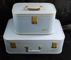 Vintage make-up case with suitcase