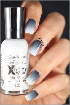 Degrade de gris a blanco red ombre nails, gradient nails, white nails, acrylic Fancy Nails, Love Nails, How To Do Nails, My Nails, Polish Nails, Classy Nails, Ombre Nail Polish, Shellac Nails, Prom Nails
