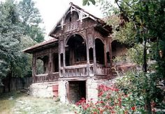 """Traditional houses in rural Romania (case traditionale romanesti) *** Upon arriving in her new home country in the young wife of Prince Carl of Romania noticed in her writings: """"Every R… Romania People, Rural House, Old Cottage, Cabins And Cottages, Gothic House, Old Farm, Traditional House, Building A House, Architecture"""