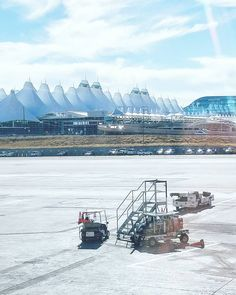 Denver's @DENAirport is designed to look like the snow-capped peaks of the Rocky mountains.  I'm off to California now for the next week. Any restaurant recommendations near Long Beach?  #DIA #DENairport #denver #visitdenver #airport #lentokenttä #colorado #visitcolorado #coloradolive #coloradoliving #travel #matkalla #reissu #wanderlust #traveling #tourism #matkailu #matkabloggaaja #travelblogger (via Instagram)