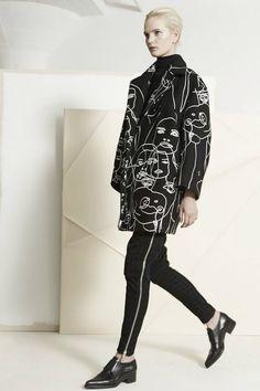 Stella McCartney Pre-Fall 2014 Fashion Show Fashion Mode, Fashion Week, Look Fashion, Fashion Art, High Fashion, Fashion Show, Autumn Fashion, Womens Fashion, Fashion Design