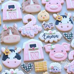 Pink barnyard cookies for Emma's birthday! Such a cute theme for a party at the petting zoo!🐷🐴🐮🐥 // Farm animals and barn cutters all… Petting Zoo Birthday Party, Farm Birthday Cakes, 2nd Birthday Party For Girl, Birthday Ideas, Birthday Pig, Farm Animal Party, Farm Animal Birthday, Barnyard Party, Farm Party
