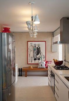 Quintal Di Casa: Usando trilhos de spots na iluminação da casa.