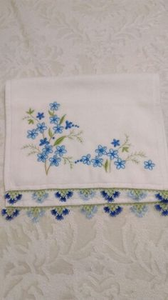 Decorative Towels, Bargello, Baby Knitting Patterns, Tree Branches, Embroidery Designs, Diy And Crafts, Art Pieces, Lace, Model