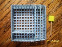 Caja para cubiertos hecha con canevá plástico - Susans Mini Talk