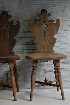 Imagine a pair of these, well, in just about any interior… They are beautiful! I found the image on a Japanese site but I am pretty sure they are sold. Antique Furniture, Wood Furniture, Furniture Design, Interior Exterior, Interior Design, Old Chairs, Wooden Chairs, Antique Chairs, Take A Seat