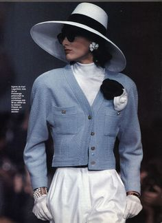 Inès de la Fressange // - New Site Chanel Outfit, Chanel Fashion, 80s Fashion, Fashion History, Vintage Fashion, Fashion Outfits, High Fashion, Mode Chanel, Chanel Runway