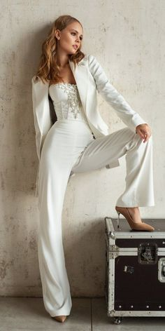 Trend 27 Wedding Pantsuit & Jumpsuit Ideas ❤ wedding pantsuit ideas sweetheart neckline simple with beaded jacket dream and dres Wedding Pantsuit, Wedding Dress Suit, Bride Suit, Wedding Dresses, Womens Wedding Suits, Wedding Attire For Women, Womens Dress Suits, Wedding Outfits, Prom Dresses