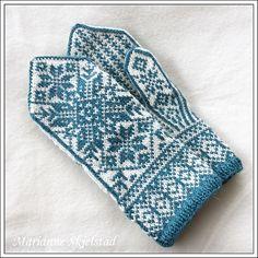 Ravelry: Stjernetrio pattern by Marianne Skjelstad Mittens Pattern, Knit Mittens, Mitten Gloves, Knitting Designs, Knitting Projects, Knitting Patterns, Gauntlet Gloves, Fair Isle Knitting, Crochet Clothes