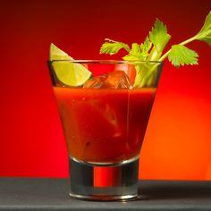 ~Bloody Mary~ 3 oz tomato juice 1 oz vodka oz lemon juice 1 dash of Worcestershire sauce Celery Salt Celery for garnish Lime wedge for garnish Drinks Com Vodka, Diet Drinks, Cocktail Drinks, Alcoholic Drinks, Cocktail Shaker, Drink Bar, Katharina Von Aragon, Pickle Vodka, Alcoholic Drink Recipes
