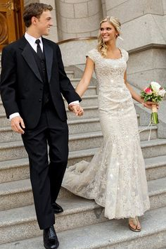 Gorgeous Tulle & Satin Scoop Neckline Sheath Wedding Dresses With Beaded Lace Appliques