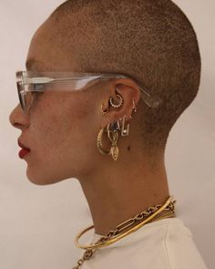 Adwoa Aboah wearing TAZI – Fashion, You can collect images you discovered organize them, add your own ideas to your collections and share with other people. Cute Ear Piercings, Mouth Piercings, Piercings Rook, Ear Jewelry, Cute Jewelry, Jewelry Accessories, Jewellery, Gold Jewelry, Men Accessories