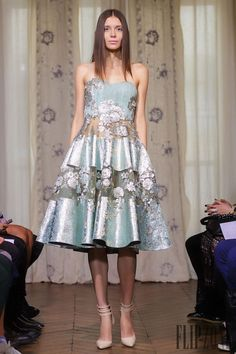 Dany Atrache Fall-winter 2014-2015 - Couture - http://www.flip-zone.net/fashion/couture-1/independant-designers/dany-atrache-4813