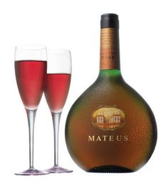 Mateus Rosé is one of my favorite portuguese wines - Pink and sparkly