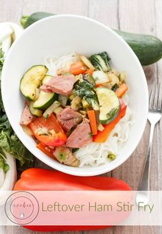 Easter is over, but don't let that ham go to waste! This leftover ham stir fry transforms one meal into a totally healthy new one! Easy Pasta Recipes, Stir Fry Recipes, Pork Recipes, Easy Dinner Recipes, Seafood Recipes, Slow Cooker Recipes, Asian Recipes, Oriental Recipes, Weeknight Recipes