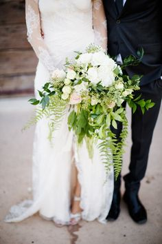 13 Alternative Wedding Bouquet Ideas via @domainehome