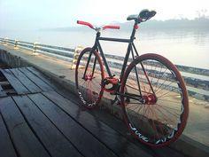Fixed Gear Gallery :: Simple bike