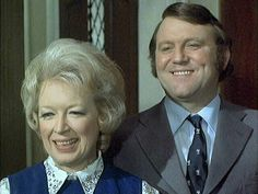 Terry and June in Bless this House British Comedy Films, British Tv Comedies, Comedy Tv, Make Me Smile, Britain, Retro Vintage, June, Memories, Memoirs