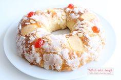 El Roscón de Reyes es una de las tradiciones navideñas más entrañables, y con esta receta podemos elaborarlo en casa nosotros mismos.