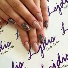 Mehendi... UV LaQ 580 Fedora   Nails by Alesia, Lejdsi NailSpa, SPN Team Zielona Góra <3  #paznokcie #nails #mehendi