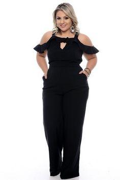 Macacão Plus Size Kassiane Plus Size Tips, Looks Plus Size, Plus Size Dresses, Plus Size Outfits, Curvy Fashion, Plus Size Fashion, Casual Black Jumpsuit, Plus Size Workout, Curvy Girl Outfits