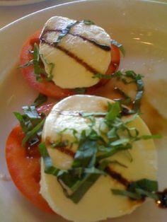 Maggiano's Restaurant : Tomato Caprese