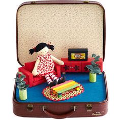 Doll suitcase, made with corflute and fabric