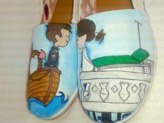 Zapatos pintados a mano, pareja de enamorados, Ingeniero Naval y Doctora Panamá Doctor Hand Painted Shoes  Marine Engineer shoes  Blue shoes  Ocean, Sea shoes