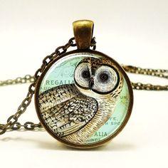 Owl Necklace Vintage Style Jewelry Bronze Woodland #Halloween #owl #jewelry www.loveitsomuch.com