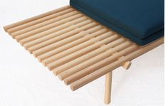 Horace. lattice day bed