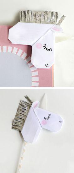 fácil Unicorn Valentine's Day Cards and Unicorn Bookmarks Origami unicorn bookmark. Easy craft for kids! Origami Unicorn Easy, Origami Unicorn Bookmark, Kids Origami Easy, Easy Crafts For Kids, Diy For Kids, Fun Crafts, Paper Crafts, Origami Design, Origami Art