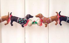 Teckel kerst Garland Doxie kerst decoratie door PatriciaWelchDesigns
